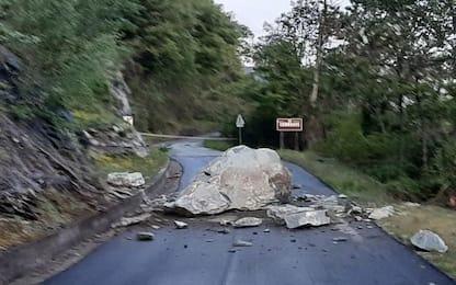 Frane: cade masso, chiusa strada Envers Pontey-Chambave