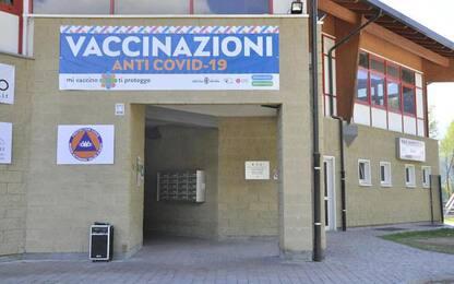 Vaccini a parenti e amici, due indagate in Valle d'Aosta