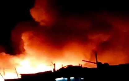 Migranti:rissa e incendi in ghetto Foggia,3 feriti,uno grave