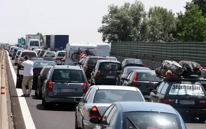 Incidenti Bari:7 auto coinvolte,2 feriti