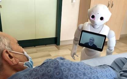 Sanità: robot Pepper aiuterà medici nella cura degli anziani
