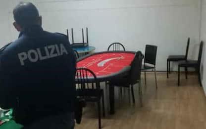 Covid:sorpresi in circolo Bari a giocare a carte,19 sanzioni