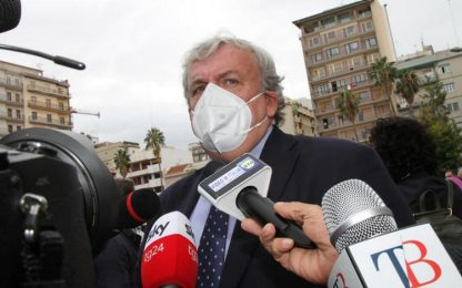 Covid: Emiliano, lasciare in zona arancione parte Puglia