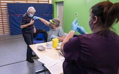 Vaccini: Gimbe, 0,37% popolazione Puglia ha completato ciclo