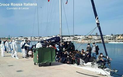 Migranti: 112 sbarcano a Leuca, sono famiglie con 31 bambini