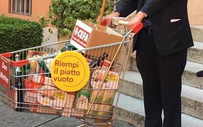 'Riempi il piatto vuoto', carrelli cibo in piazza Maggiore