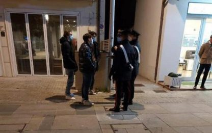 Assembrati a gruppetti a Riccione, identificati 40 ragazzini