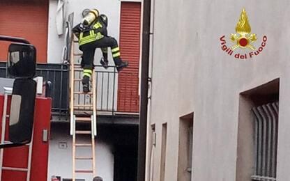 Incendio in un appartamento nel Modenese, due feriti