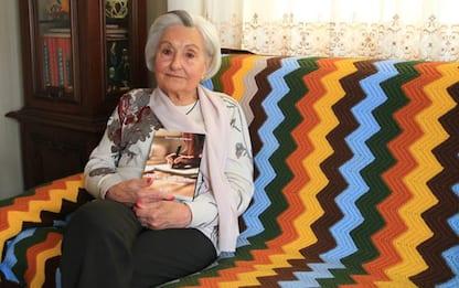 Nonna scrive libro a 86 anni, 'Pandemia peggio della guerra'