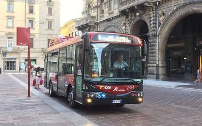 Abbonamento del bus gratis a Bologna per 900 senza dimora
