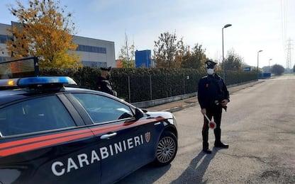 Avvelena e uccide il compagno della madre, 19enne fermato a Bologna
