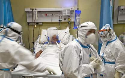 Covid: in E-R 877 nuovi casi e 32 morti
