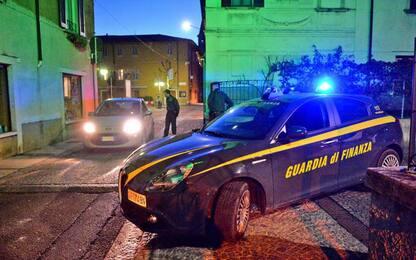 Frode e truffa sui contributi Covid, 21 arrestati