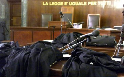 Perseguita la nipote perché sposa un italiano, 32enne a processo