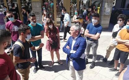 """Universitari in piazza, """"dateci rimborsi di alloggi e mense"""""""