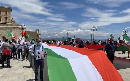 2 giugno: c.destra in piazza a Cagliari, 300 contro governo