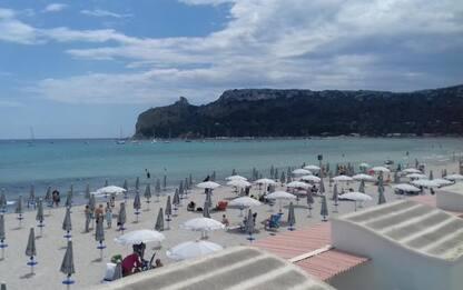 Fase 2: vento e piovaschi, poca gente in spiagge Sardegna
