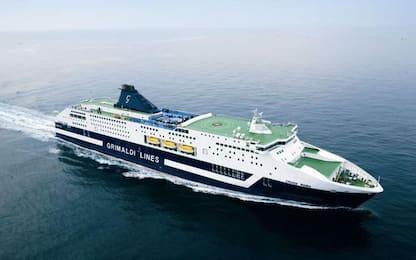 Il Mit riapre il traffico passeggeri su navi e aerei da e per Sardegna