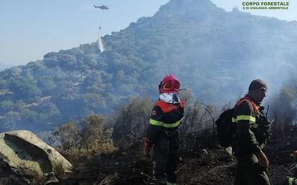 Incendi: fiamme vicino alle case nel Sassarese