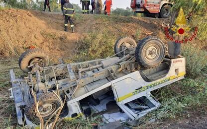 Jeep Protezione civile fuori strada, un morto in Sardegna