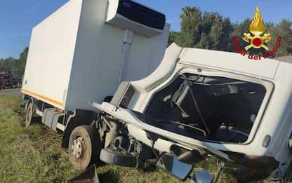 Auto contro un camion, morta 51enne residente a Grosseto