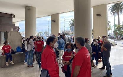 Aras: nuovo sit-in in Consiglio, -3 mesi a 225 licenziamenti