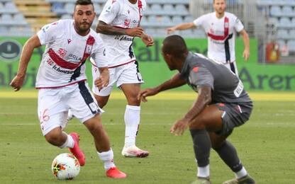 Stalking: ex attaccante Cagliari Ragatzu rinviato a giudizio
