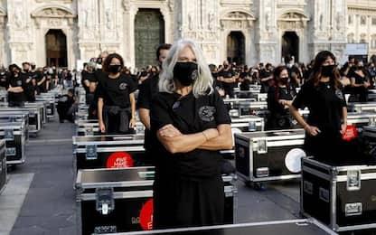 >ANSA-FOCUS/5mila artisti in ginocchio per misure anti Covid