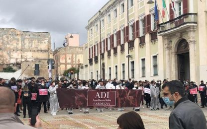 """Dpcm:500 artisti in piazza a Cagliari,""""stanchi di elemosina"""""""