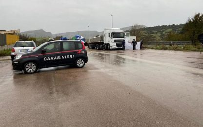 Incidente sul lavoro a Muros, muore un camionista