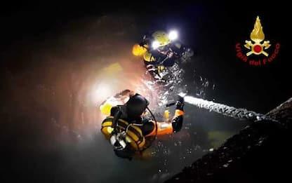 Peschereccio affonda in porto Cagliari, equipaggio salvato