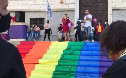 """Omofobia: """"non un passo indietro"""" piazza colorata a Cagliari"""