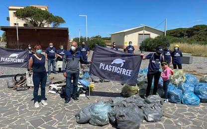 Plastic free: 10 quintali di rifiuti raccolti a Torre Grande