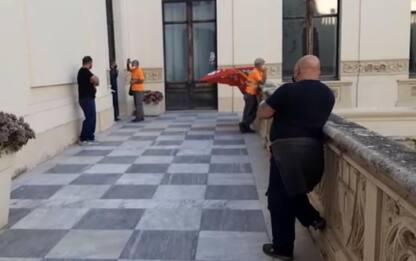 Cagliari, blitz addetti rimozioni durante Consiglio comunale