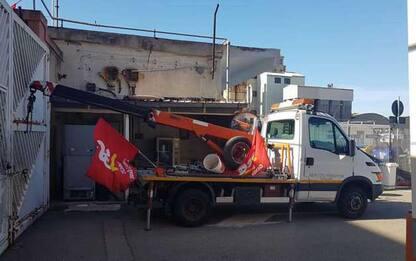 Protesta addetti rimozioni, blocchi stradali a Cagliari