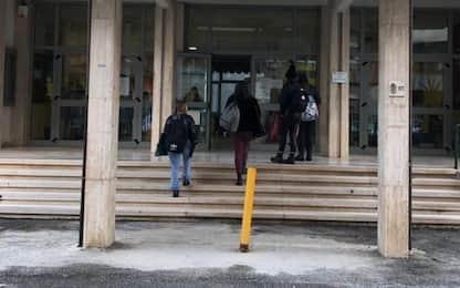 Scuola: Molise, si torna in classe, studenti protestano