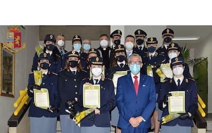 8 marzo, omaggio forze ordine a operatrici 'Cardarelli'