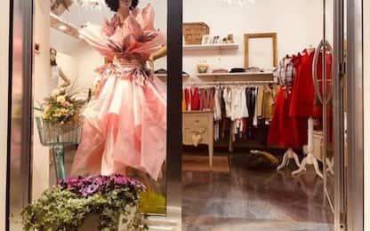 Giro: vetrine in rosa a Termoli per accogliere atleti