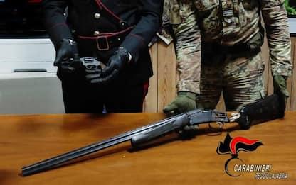 Armi: carabinieri trovano pistola lanciarazzi e fucile