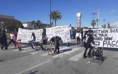 Dpcm: corteo di protesta a Viareggio
