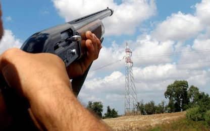 Incidente di caccia, spara e uccide l'amico nel Pisano