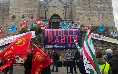 Morta sul lavoro: al via manifestazione a Prato