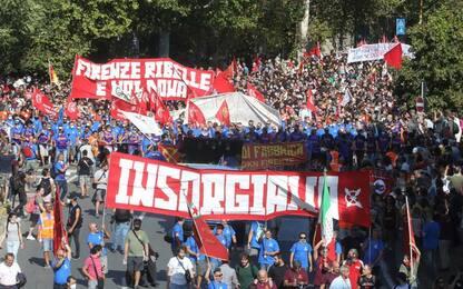 Gkn: in 15.000 a corteo Firenze coi lavoratori licenziati