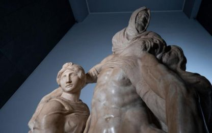 """Pietà, Michelangelo """"costretto abbandono per difetti marmo"""""""