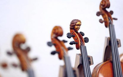 Musicista di strada derubato del violino da 10mila euro