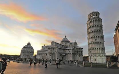 Drone sbatte sulla Torre di Pisa, denunciato turista 25enne