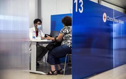 Vaccini, Toscana, prenotazioni online terza dose per over60