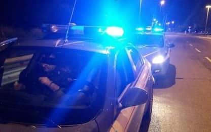 Firenze,giovani si oppongono a controllo,2 poliziotti feriti