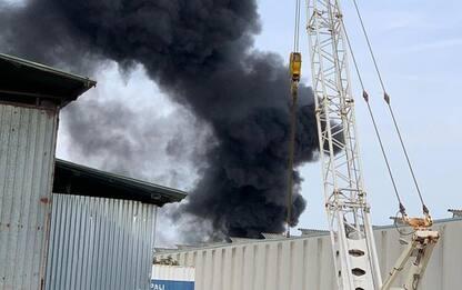 Incendi, fiamme in ditta orafa Arezzo, dipendenti intossicati