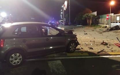Motociclista morto a Taggia, auto a fuoco salvi occupanti